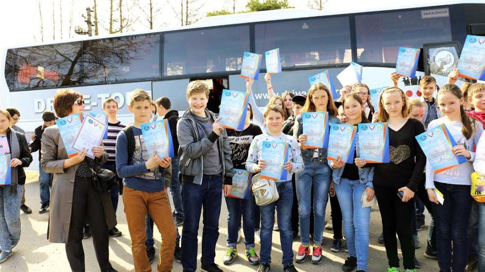 Живые уроки в Санкт-Петеррбурге. Живые уроки. Экскурсионные туры в Санкт-Петербург, прием в Санкт-Петербурге, туры и экскурсии по России для школьных групп.